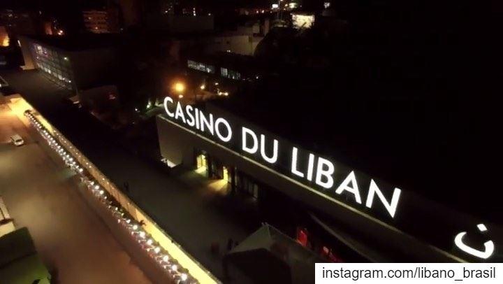 🇱🇧🇧🇷 Inaugurado em 1959 (período dos anos dourados do Líbano), o... (Casino du Liban)