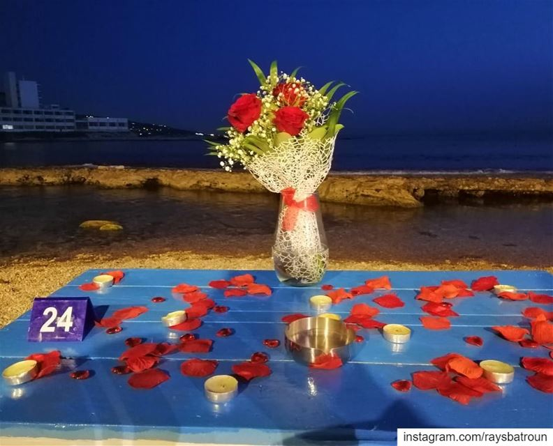 Do you feel the love in the air ?Book your romantic dinner at RAY's ❤️... (RAY's Batroun)