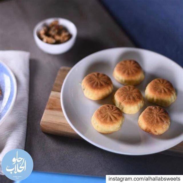 لأن معمولنا أطيب معمول للعيد ! ينعاد عالجميع بالصحة والعافية 😍🤗😄😋 رمضا (Abed Ghazi Hallab Sweets)