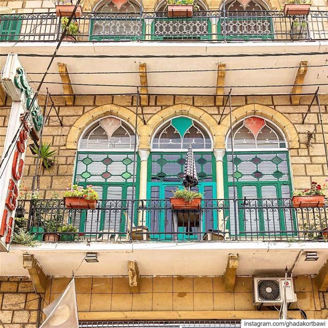 Three's a charm / اوتيل الصبح..... balcony  vintagewindows ... (Aley)