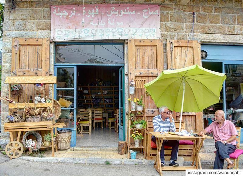 Sweet people at the old souks... lebstory lebanontraveler ... (Douma, Liban-Nord, Lebanon)