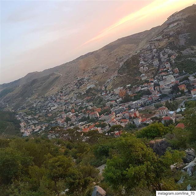 Once upon a sunset insta_lebanon insta_jezzine ptk_lebanon ig_respect... (Jezzîne, Al Janub, Lebanon)