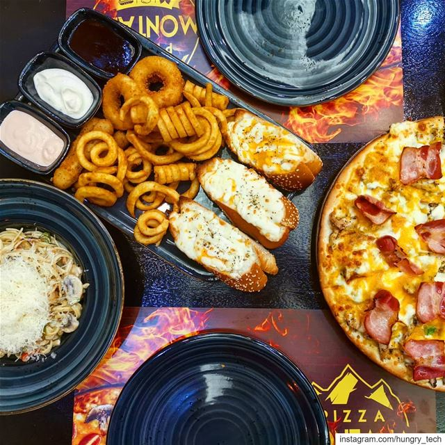 My definition of love😍😋..................... zomato... (Pizza Montana)