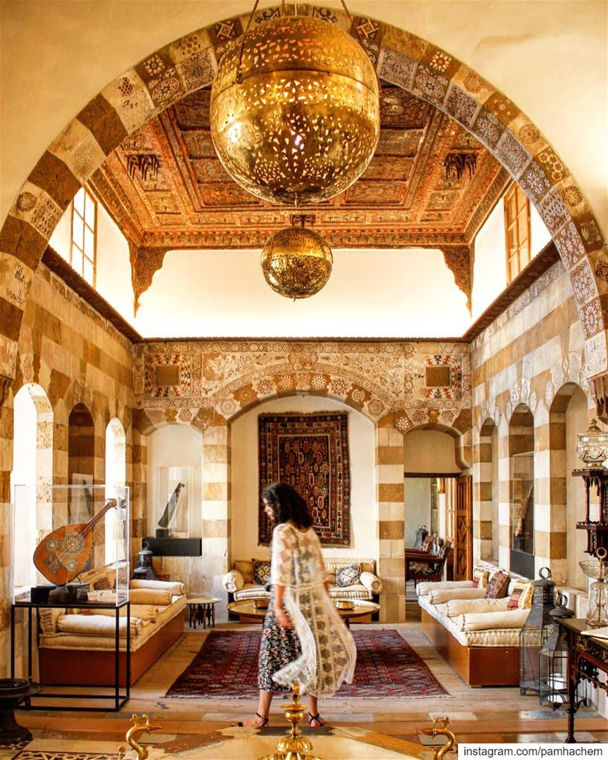 I was fascinated by the architecture of the historic Debbané palace in ... (Saïda, Al Janub, Lebanon)