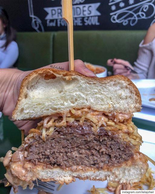 LOVE 😍🤤 bestburgerever hamburger burgerlove chips juicygrill ...