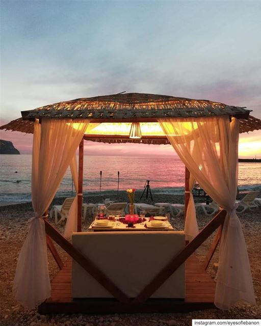 Give away time 🥳The amazing @sealenaresort gives the chance for 1 couple... (Sealena BeachBar)