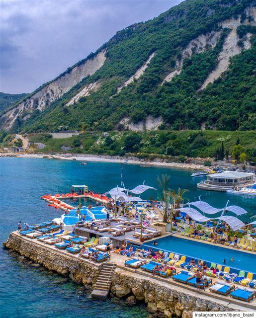 🇱🇧🇧🇷 Enfim, começa hoje o tão aguardado Verão do Líbano! E para dar as... (Rocca Marina)