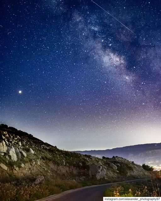 Spot the meteor 🌠 The milky way season is Back 🌌 - Good night from... (Akoura, Mont-Liban, Lebanon)