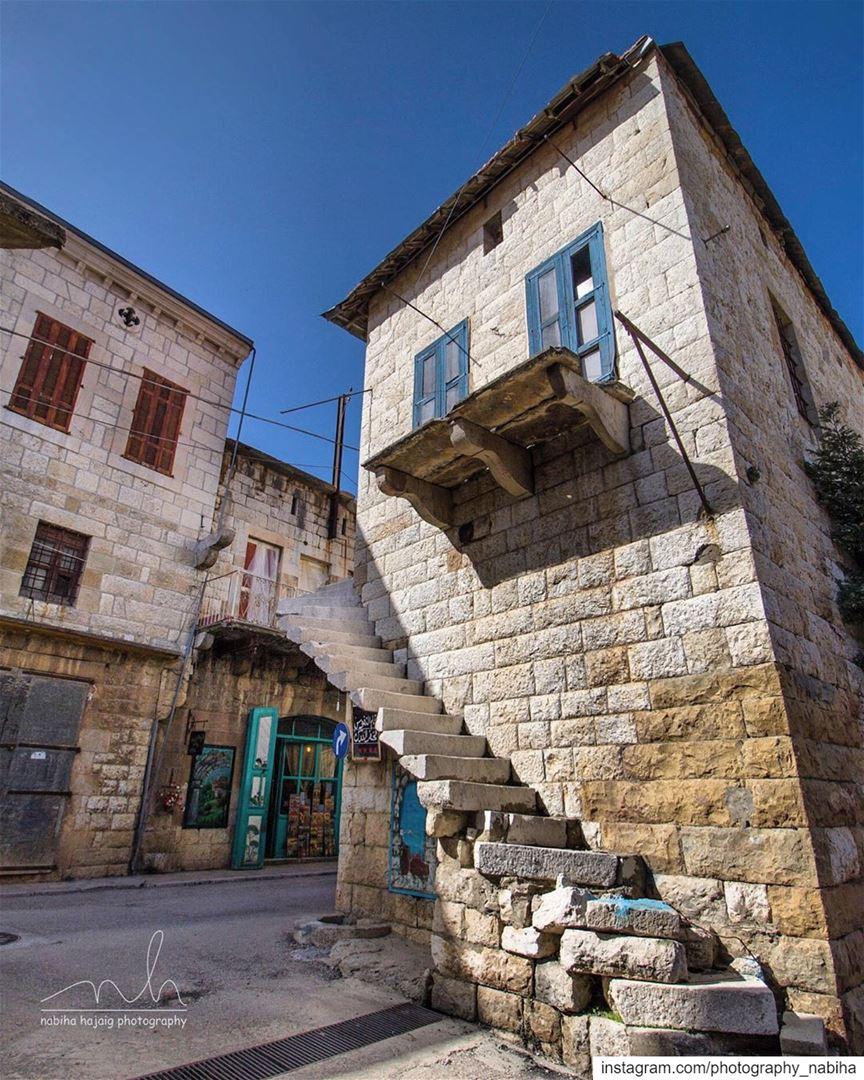 Douma oldhouse stairs beirut cloud architecture livelovedouma sun ...