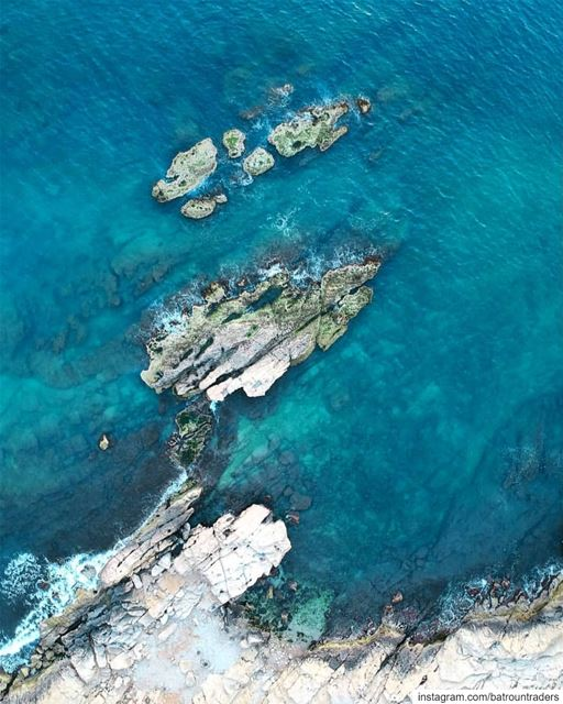 batroun  البترون_سفرة  rocks  beach  batrounbeach  batrouncoast  sea ... (Batroûn)