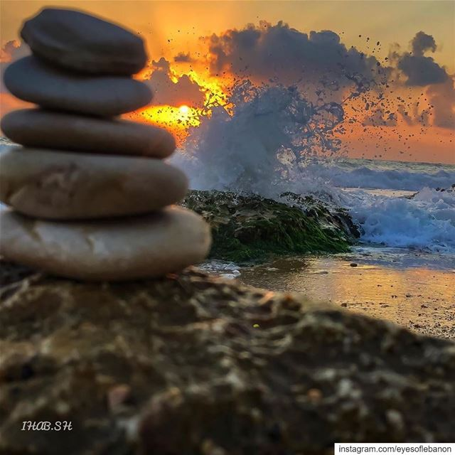 Sunset time from El Rmaileh 😍Credits to @ihab.sherry ・・・‏... (El Rmaileh, Mont-Liban, Lebanon)