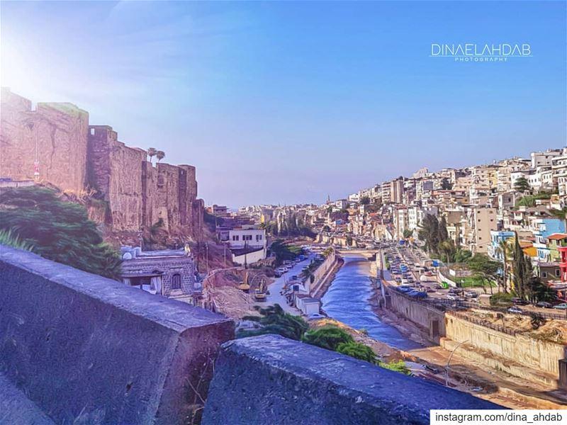 ... في حين أنَّها تنتظرُ أنْ نؤمِن بِها...____________________________... (Tripoli, Lebanon)