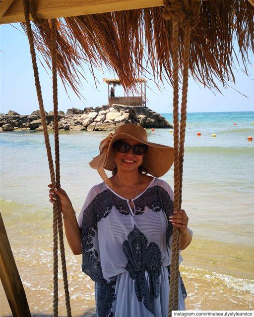 Enjoy summer with @caudalie protectyourskin staybeautiful noskincancer... (La Siesta)