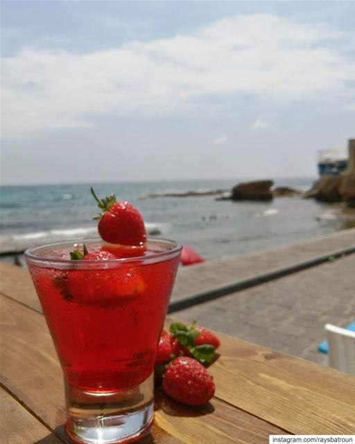 Summer vibes 😍 lebanon batroun bahsa drinks raysbatroun summer ... (RAY's Batroun)