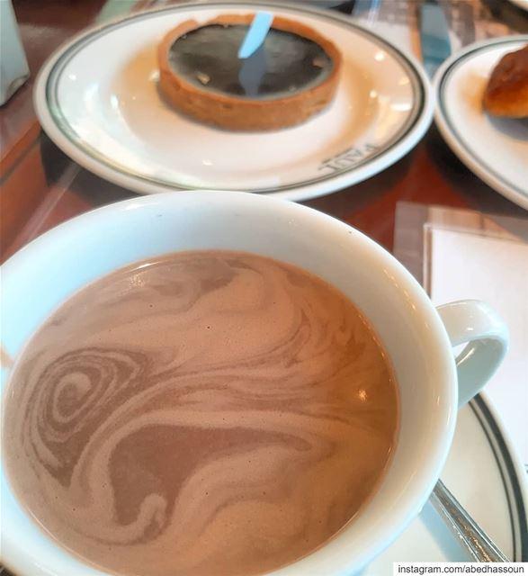 Petit-déjeuner à la Française 😋............. petitdéjeuner ... (Paul Depuis 1889)