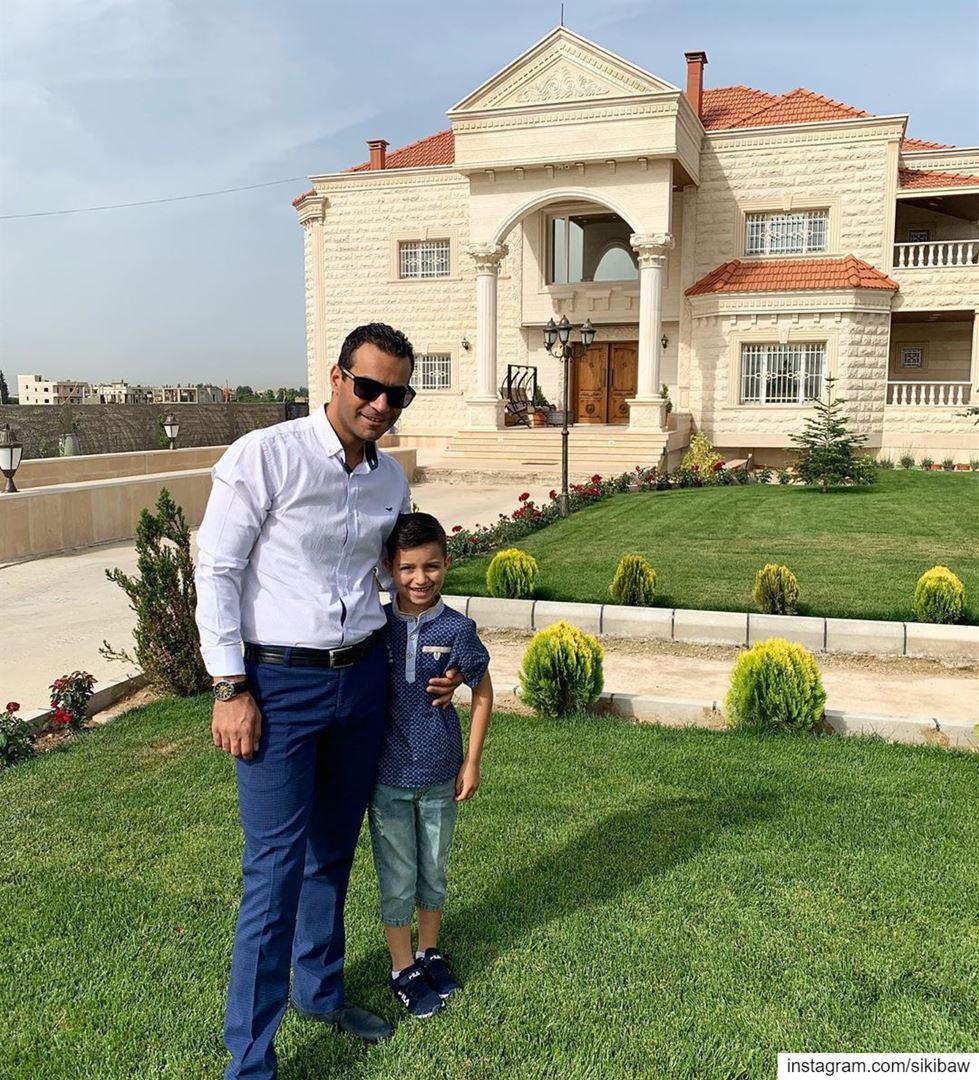 Ещё чуть чуть и будет выше мне 😍 ливан дома с_сыном праздник счаст (Lebanon)