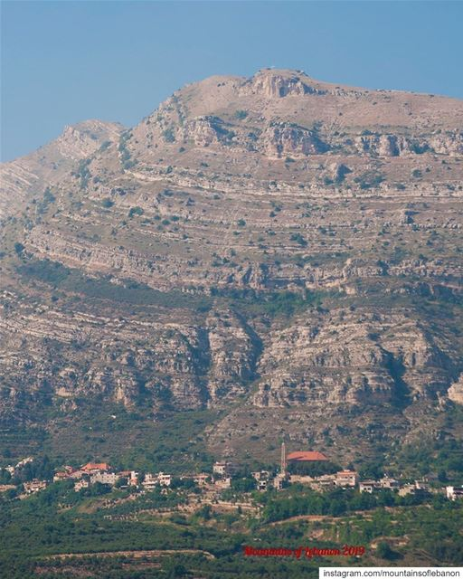 Amazing and Imposing stratifications making up the mountain overlooking... (Akoura, Mont-Liban, Lebanon)