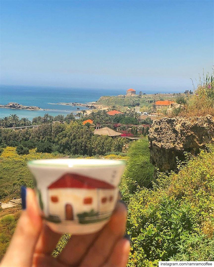 اختر من ينظر اليك و كأنك معجزة صباحو من جبيل لبنان........ (Byblos, Lebanon)