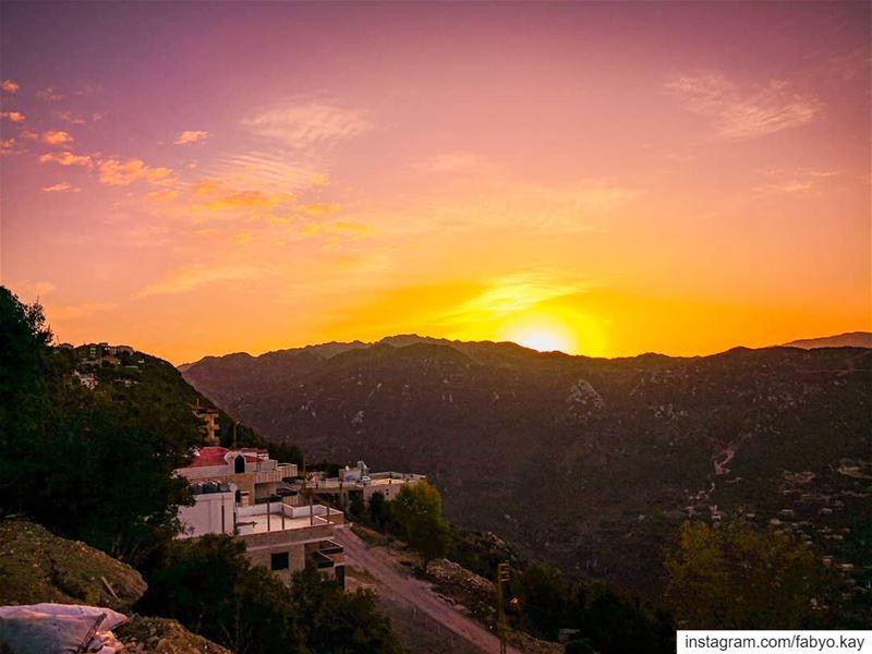 ______________________________________ sunrise lebanon annaya ... (Annaya Ermitage - محبسة عنّايا)