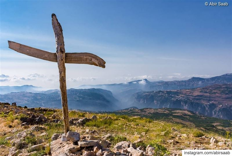 One of the best mountaintop views I have ever seen, Hadath el Jebbeh high... (Hadath Al Jubbah, Liban-Nord, Lebanon)