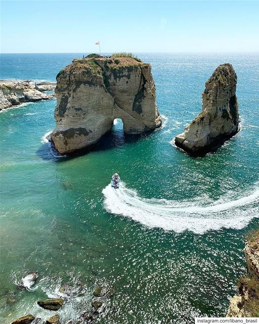 🇱🇧🇧🇷 Quem gostaria de estar no Líbano agora, curtindo um passeio de... (Beirut, Lebanon)