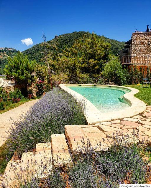 Bathing in nature bkerzay lebanon liban lebanese libanais libanes ... (Bkerzay)
