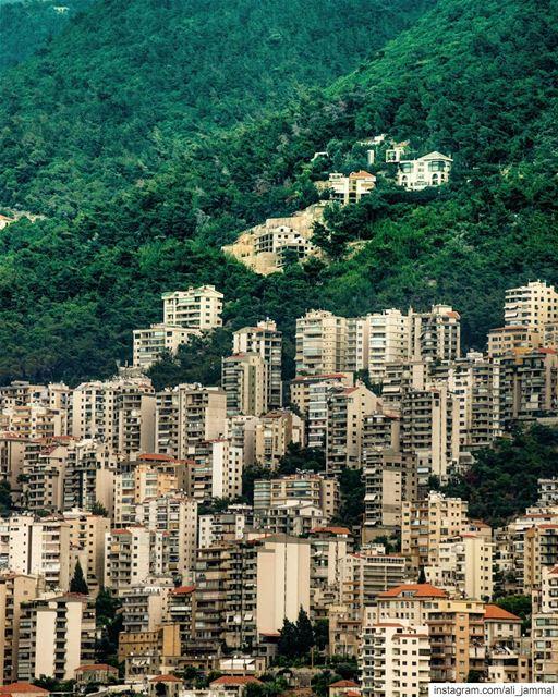 jounieh jounié lebanon picoftheday byme landscapephotography ... (Joünié)