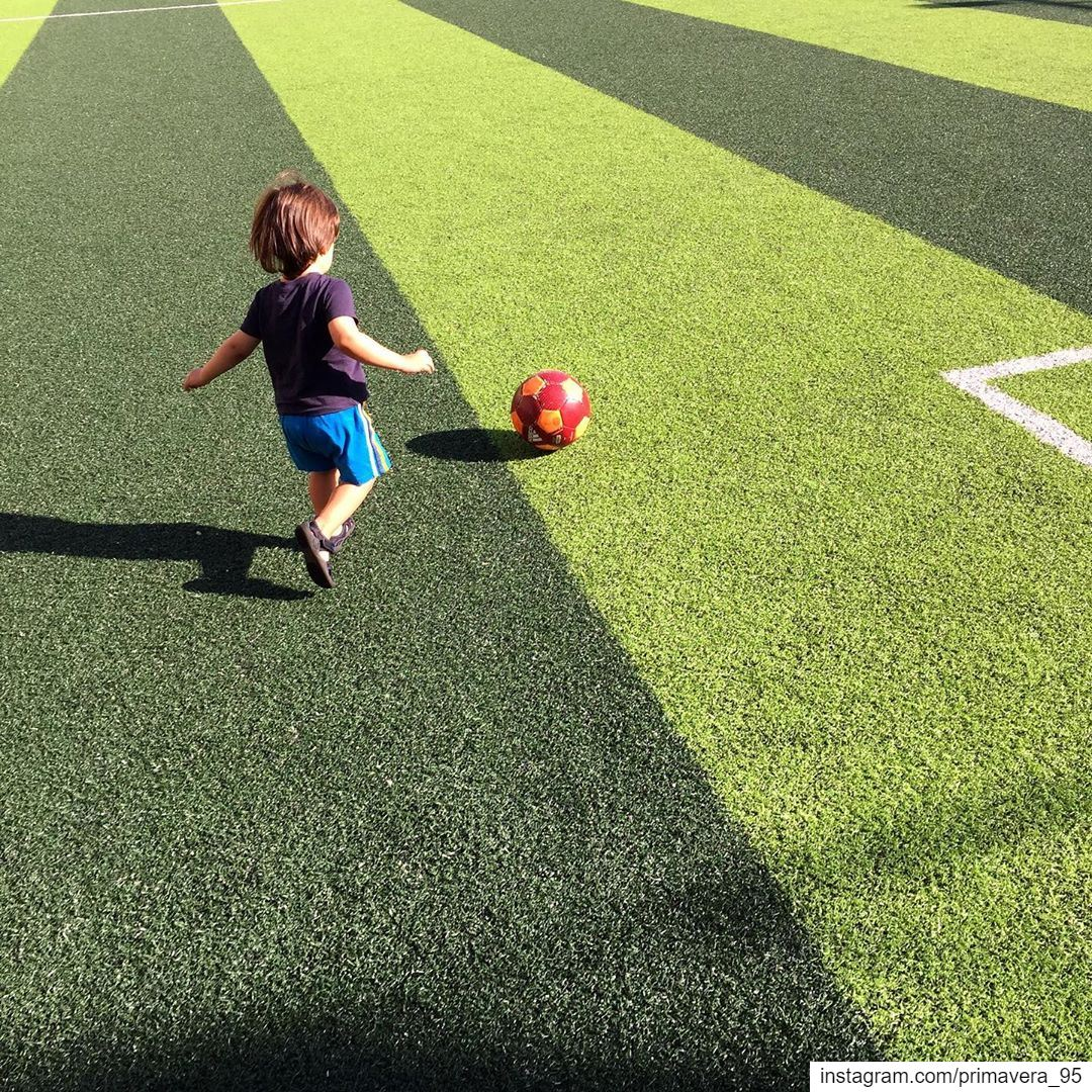boy football soccer ball run kick fun outdoor sports elias ... (Fun zone Kleyat)