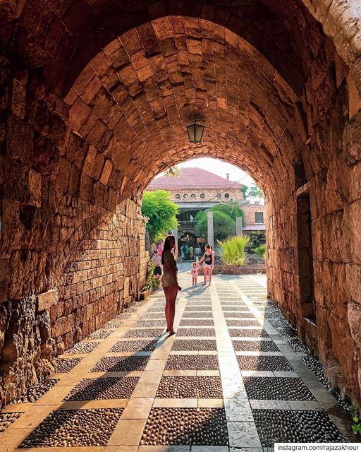 Allez! Viens☺️. byblos lebanon...... livelovearchitecture ... (Byblos - Jbail بيبلوس/جبيل)