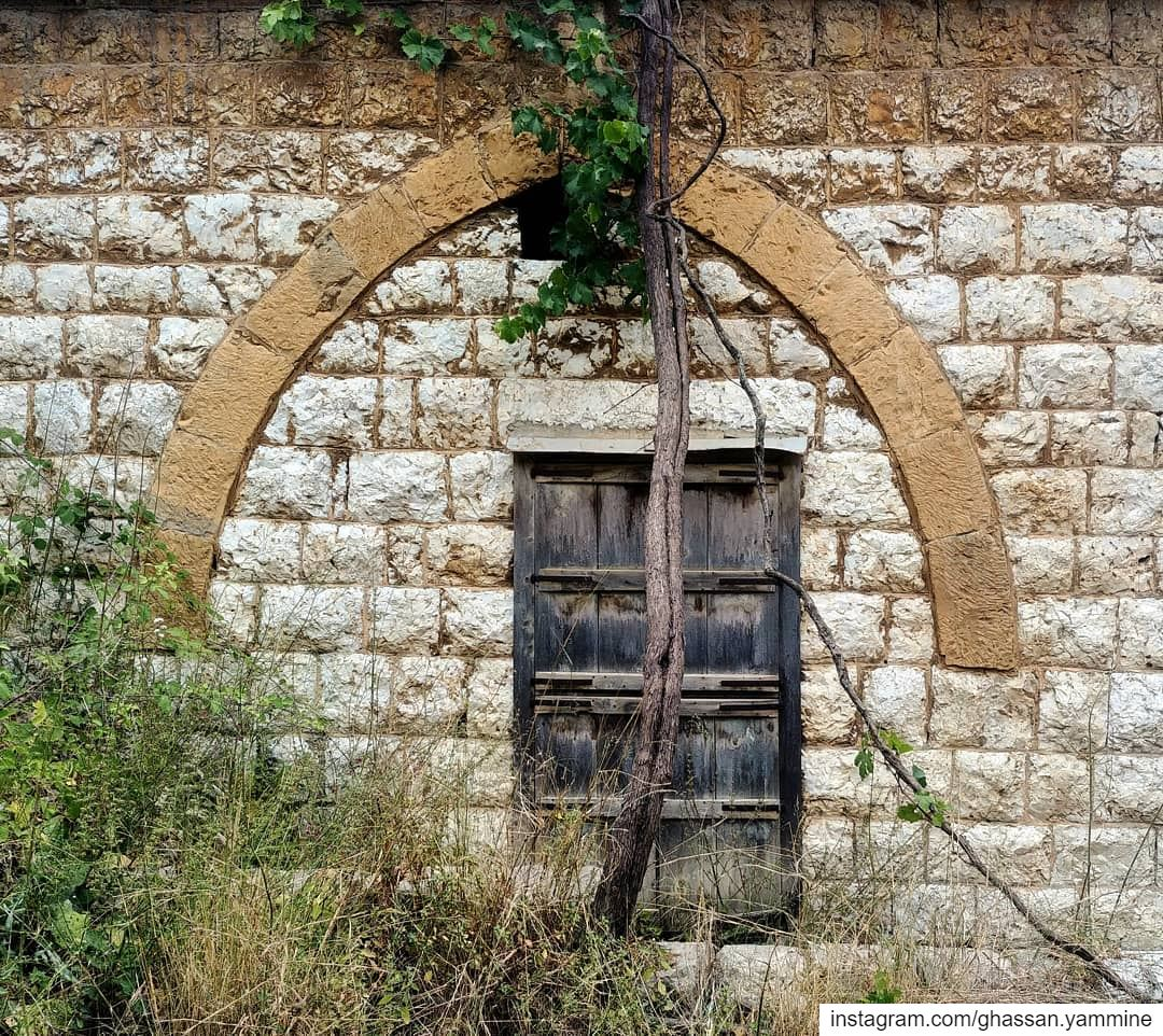 Nostalgia...By Ghassan_Yammine old oldhouse vintage window ... (Beït Chabâb, Mont-Liban, Lebanon)