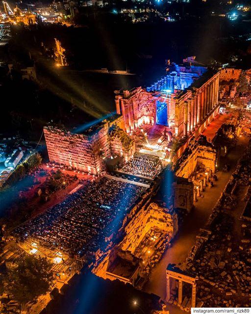 Lively Lebanese Nights ✨🇱🇧. @baalbeckfestival. Baalbeck Baalbek ... (Baalbek , Roman Temple , Lebanon)