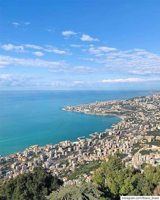 🇱🇧🇧🇷 Verão no Líbano=praia! O que está esperando para programar a... (Harîssa, Mont-Liban, Lebanon)