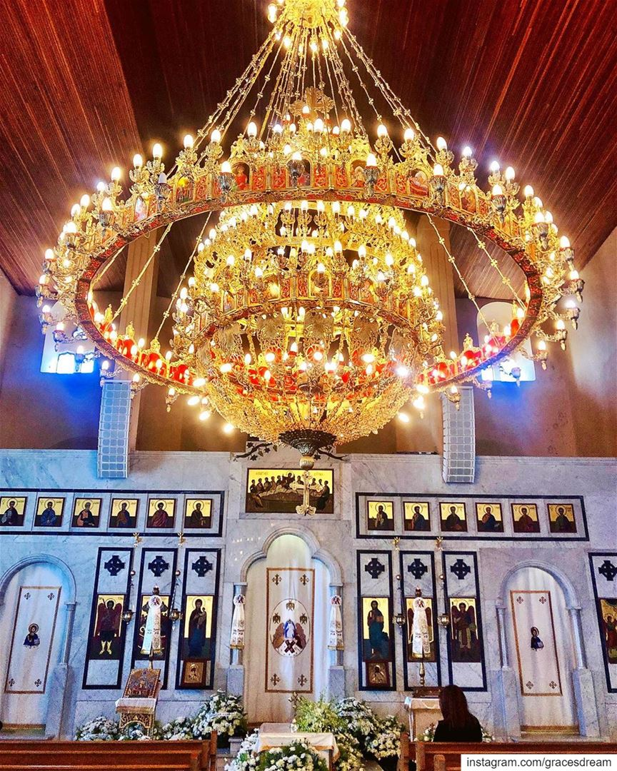 Pray 🙏🏼..... church chandelier light blessed icon douma ... (Douma, Liban-Nord, Lebanon)