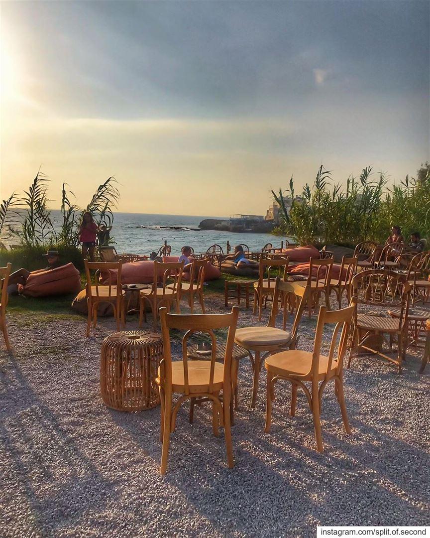 the Famous Khaizaran chairs at Sunset time. @bolerobatroun ... myphoto ... (Bolero Batroun)