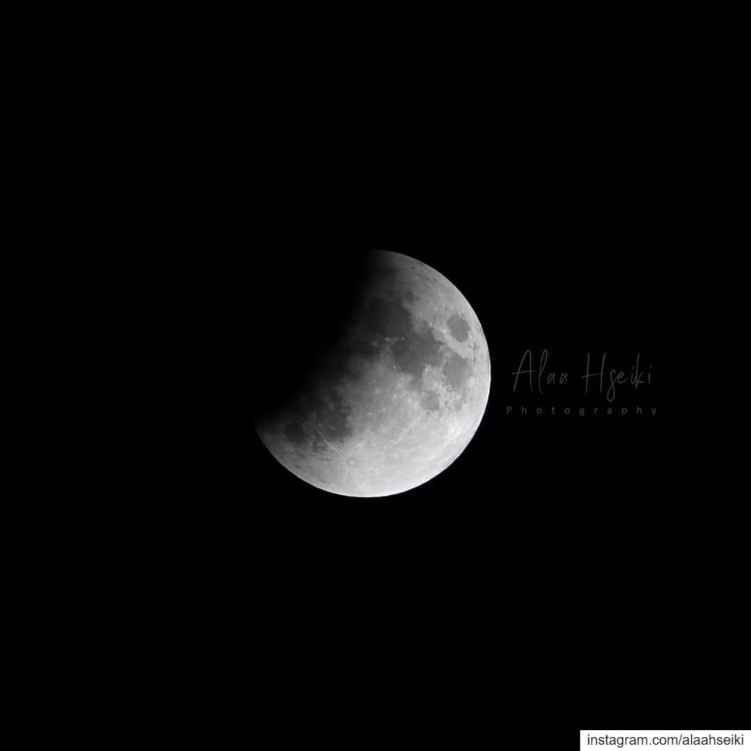 Eclipse Pics 🌙... Hseiki Lebanon beirut nature night ... (Baïssoûr, Mont-Liban, Lebanon)