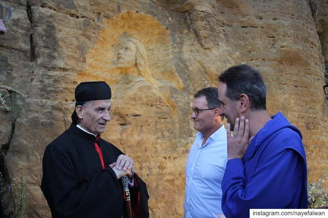 """بارك البطريرك مار بشارة بطرس الراعي تمثال """"يسوع في بستان الزيتون"""" خلال إفتت (Baskinta, Lebanon)"""