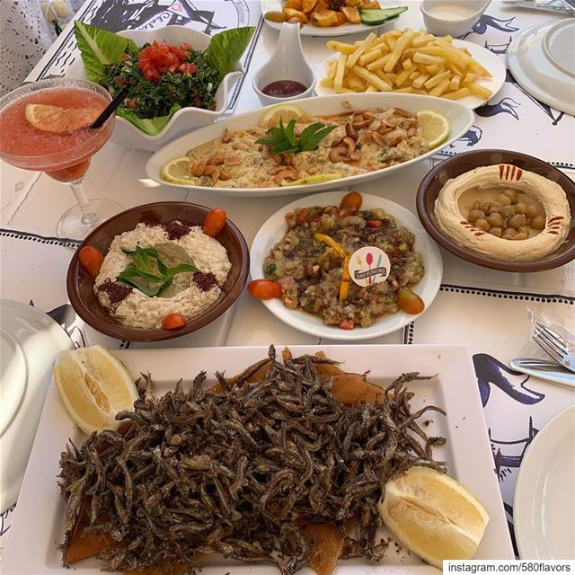 A day well spent at the beach 🏝 great view and great food 😍😍 Check the... (Ô Chalet.Anfeh)