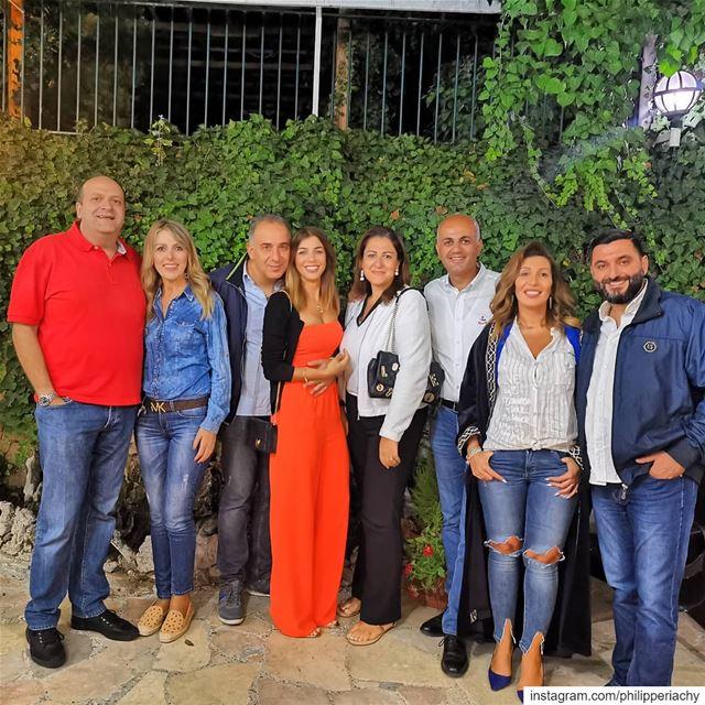 Lovely friends.... friends casinoarabi zahle lebanon berdawni dinner... (Zahlé, Lebanon)