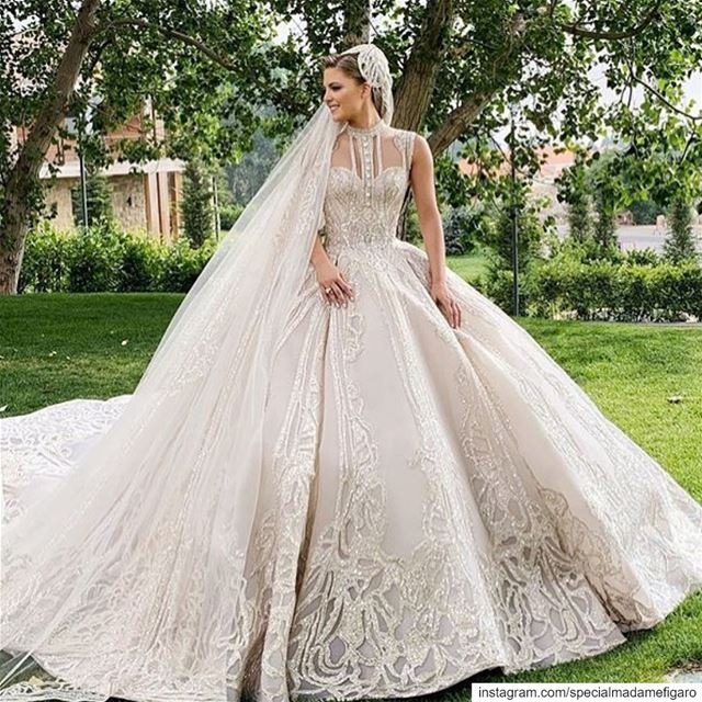 Just stunning 😍😍 @kikamourad bride eliekika eliesaab ...
