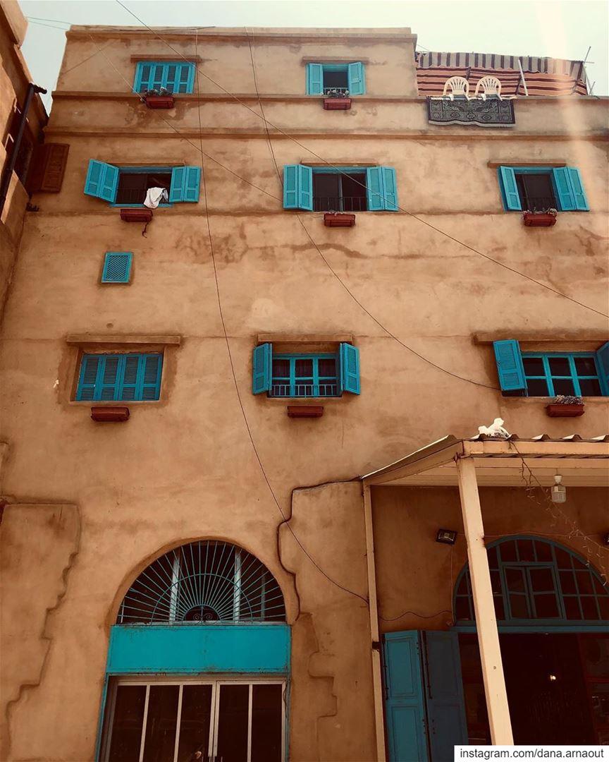 تفاصيل صيداوية!.. saida Sidon lebanon blue windows architecture ... (Saïda, Al Janub, Lebanon)