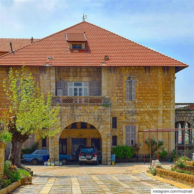 This  house is standing on memory alone.. !! ============================== (Sawfar, Mont-Liban, Lebanon)