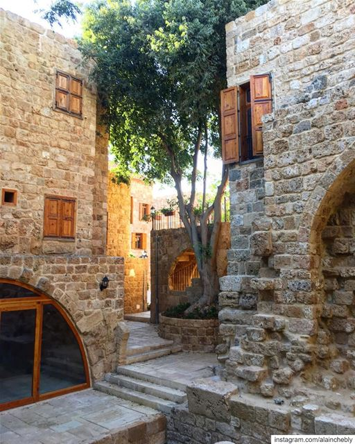 Can you guess where this pic was taken? ... (Lebanon)