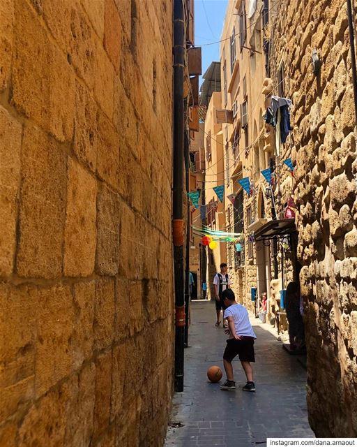 شوارع صيدا العتيقة ♥️!.. saida sidon south lebanon kids play ...