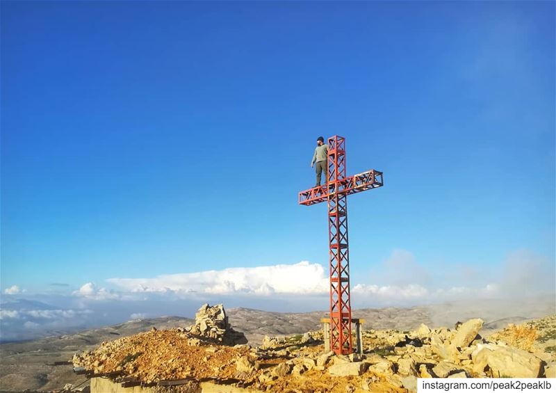 Only on your hand we stand so high..... (Mzaar Kfardebian)