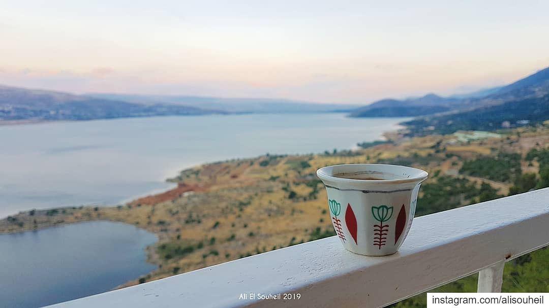 Coffee anyone ? ☕ tb qaroun lake bekaa coffee sky lebanon river ... (Chalet Du Lac - Sad L Aroon)