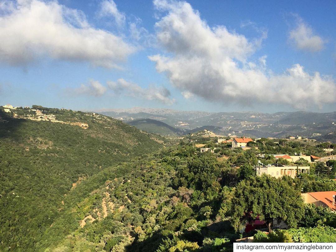 Those beautiful northern mountains💚 a7labaladbil3alam 🇱🇧........ (Jrabta, Liban-Nord, Lebanon)