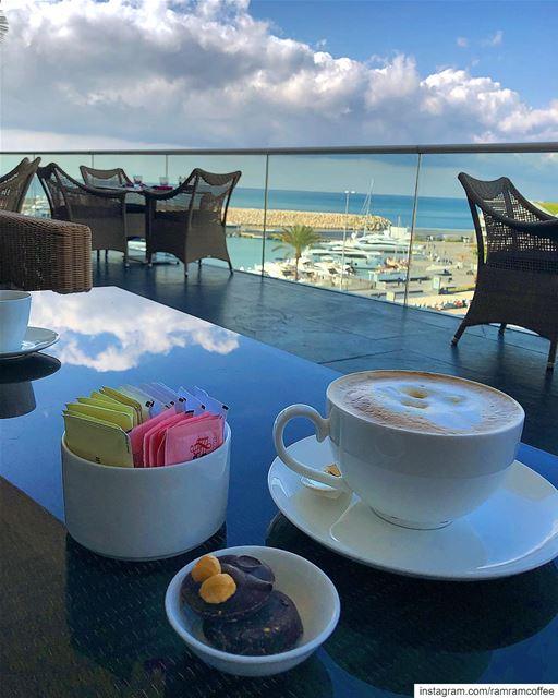وكأن الجمال لا يعرف طريقاً الا لك... ramramcoffee turkishcoffee ... (Four Seasons Hotel Beirut)