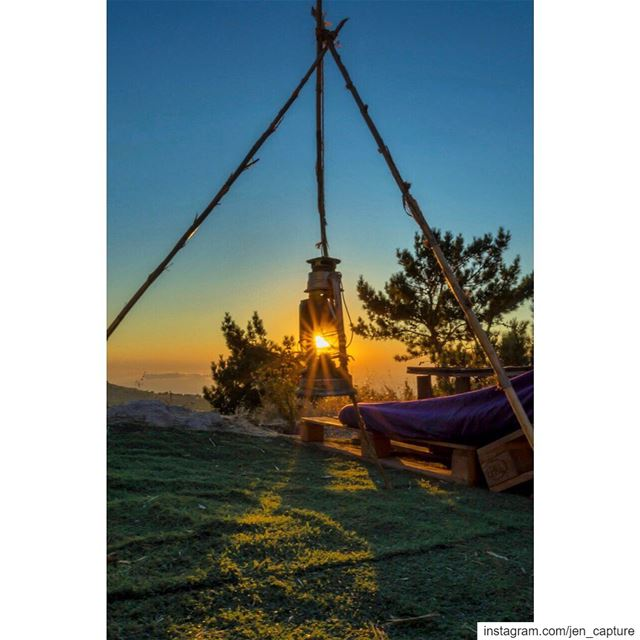 و الحلم باولوا و الليل الطويل عل المسافه ميل و ينسانا خيلين بين الأناديل@h (Ehden, Lebanon)