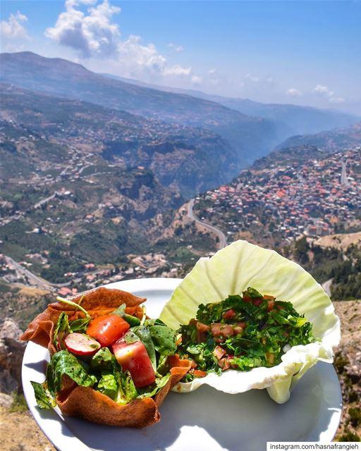 Lebanese mountains deliciousness & views ♥️🔆... (Cedar's Heaven)