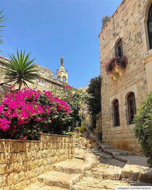deirelkamar sayditeltalle lebanon livelovedeirelkamar livelovelebanon... (Deïr El Qamar, Mont-Liban, Lebanon)